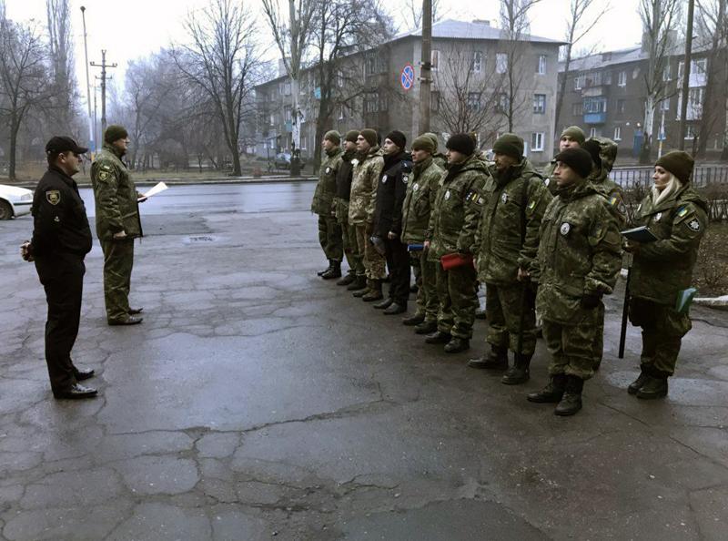 У зв'язку із святами поліцейські Добропілля продовжують працювати у посиленому варіанті несення служби, фото-1