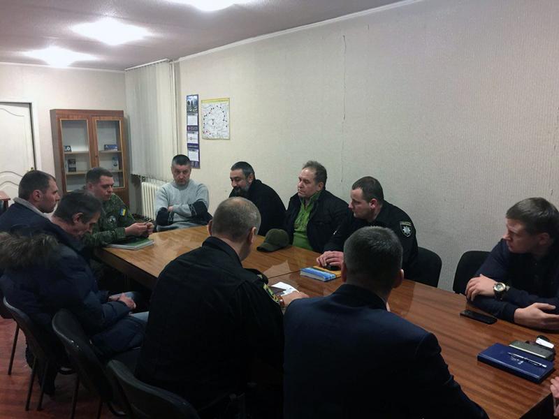 Добропільські правоохоронці обговорили важливі питання із представниками громадських формувань та місцевої влади, фото-2