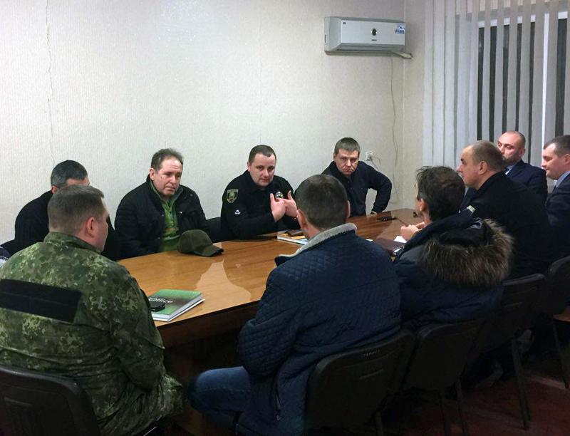 Добропільські правоохоронці обговорили важливі питання із представниками громадських формувань та місцевої влади, фото-1