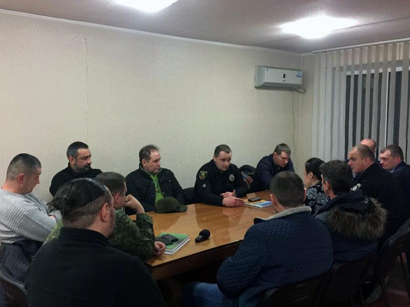 Добропільські правоохоронці обговорили важливі питання із представниками громадських формувань та місцевої влади, фото-3