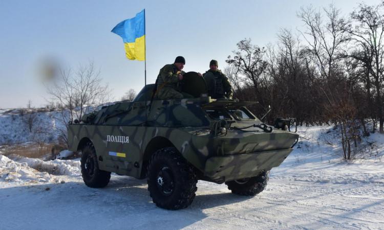 Співробітники превентивної поліції Донеччини пройшли тренування від спецпідрозділу КОРД на полігоні, фото-1