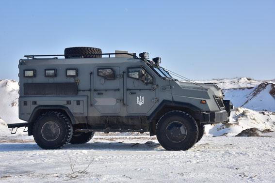 Співробітники превентивної поліції Донеччини пройшли тренування від спецпідрозділу КОРД на полігоні, фото-12