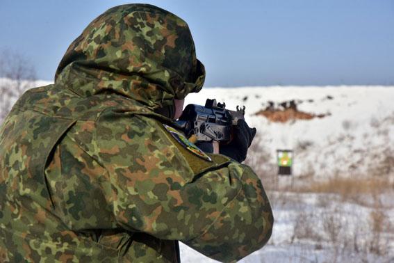 Співробітники превентивної поліції Донеччини пройшли тренування від спецпідрозділу КОРД на полігоні, фото-6