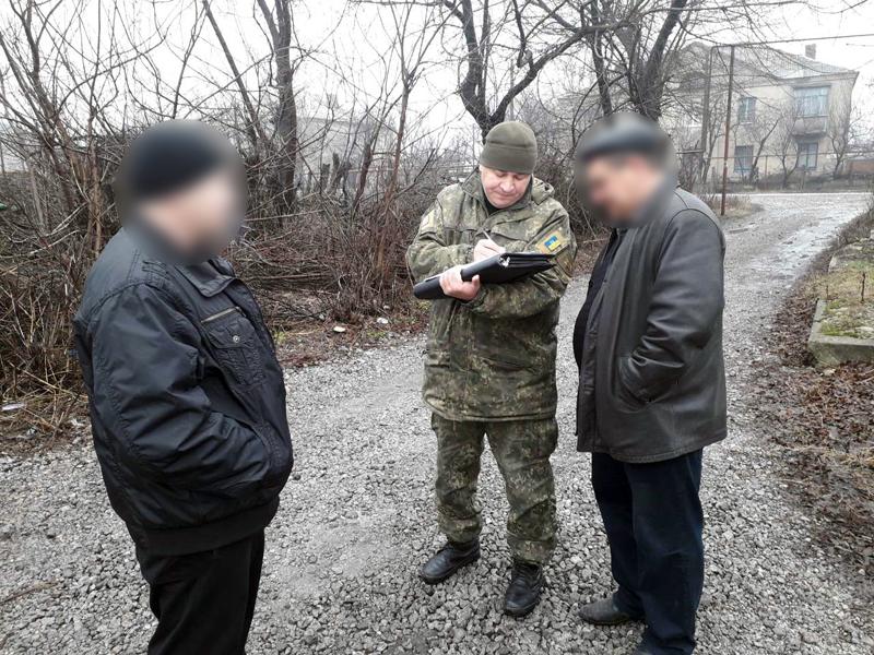 У поточному році поліцією Покровська вилучено близько 30 літрів самогону, притягнуто до відповідальності 27 правопорушників, фото-1