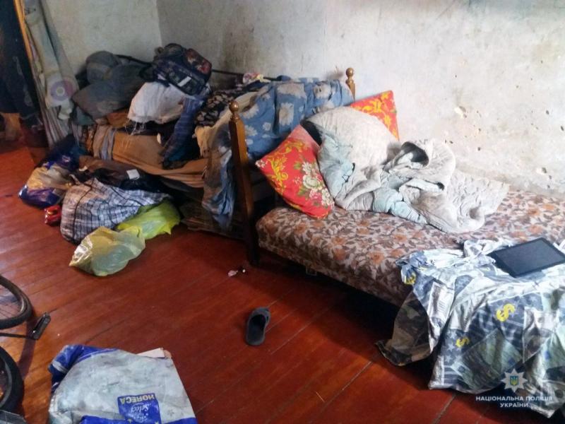 В Білозерському правоохоронці виявили багатодітну матір, яка не створила належних умов проживання для своїх трьох неповнолітніх дітей, фото-2