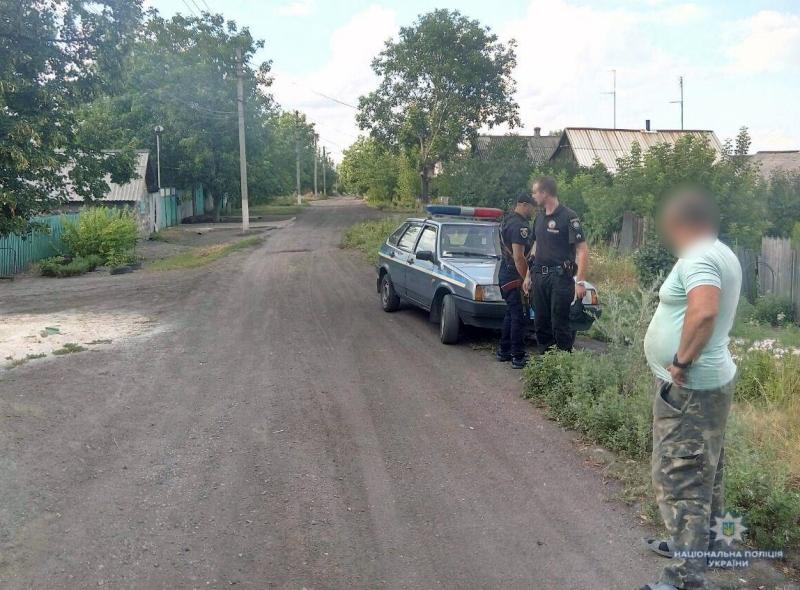 В Мирнограде для 12-летнего парня поездка на мопеде закончилась переломом ноги, фото-1