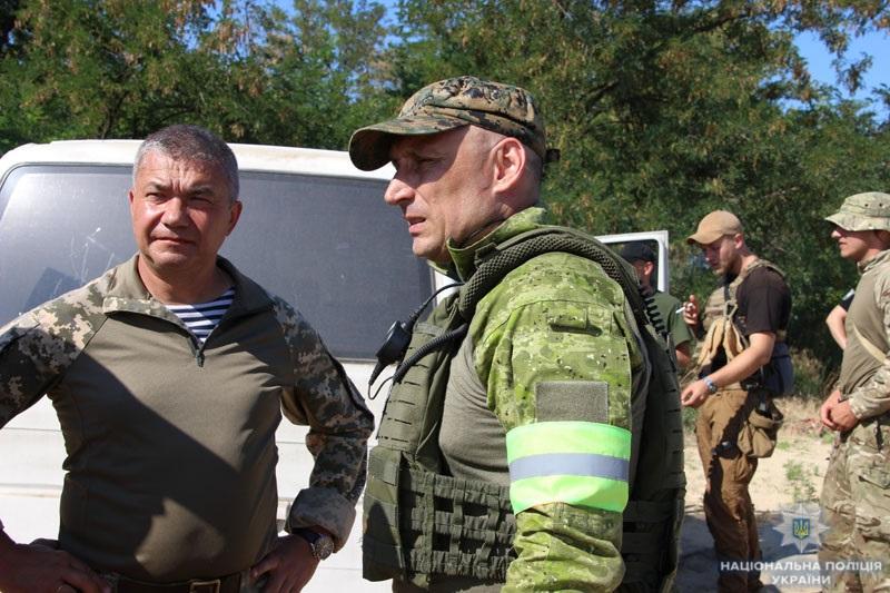 На Донеччині поліцейські та військовослужбовці відпрацювали тактику знешкодження диверсійної групи, фото-4
