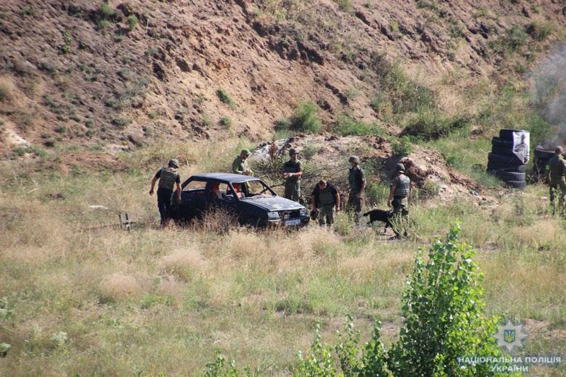 На Донеччині поліцейські та військовослужбовці відпрацювали тактику знешкодження диверсійної групи, фото-7