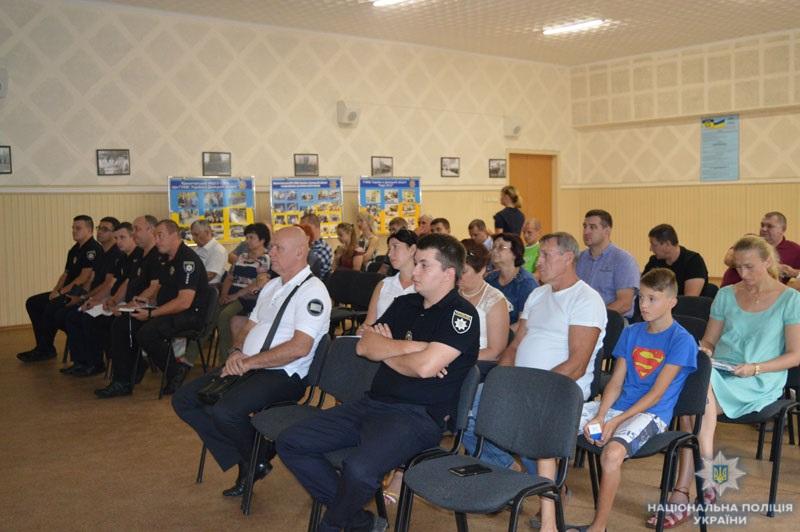 На Донеччині визначено напрямки співпраці поліції та перевізників регіону з метою попередження ДТП, фото-3