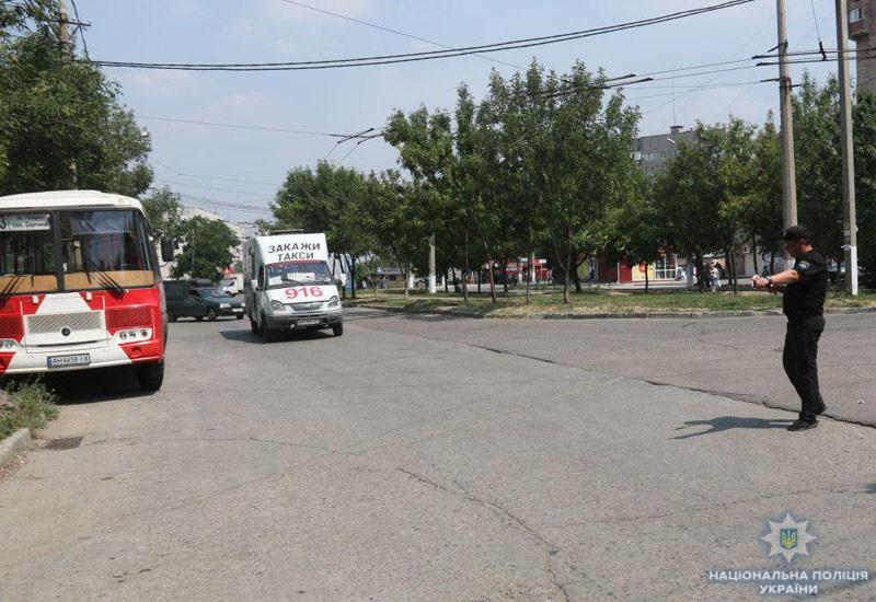 Безпека пасажирських перевезень: за два тижні поліція Донеччини притягнула до відповідальності 167 водіїв-порушників, фото-3