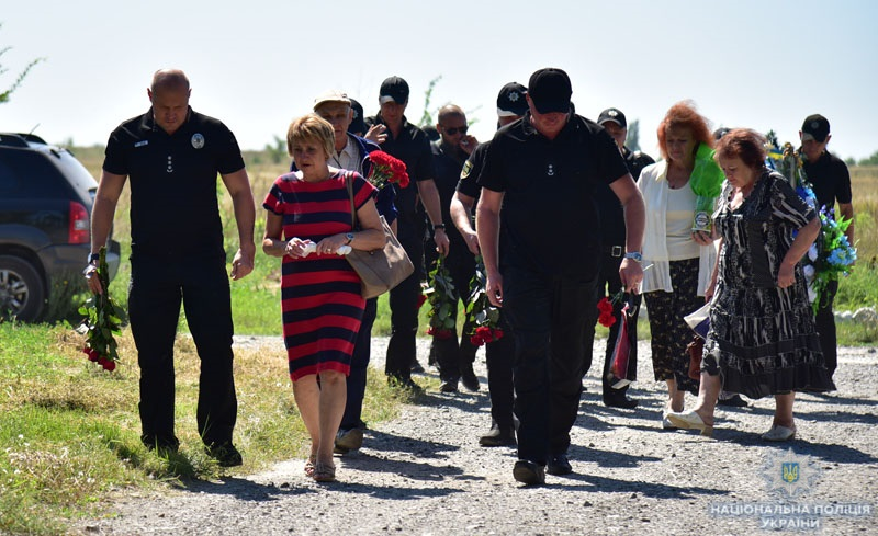 Поліцейські донеччини вшанували пам'ять олександра трегуба, який помер рік тому під час виконання службових обов'язків, фото-4