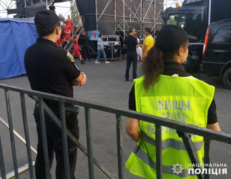 Поліцейські Покровської оперзони забезпечили правопорядок під час святкових днів, фото-8