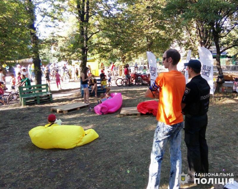 Поліцейські Покровської оперзони забезпечили правопорядок під час святкових днів, фото-10