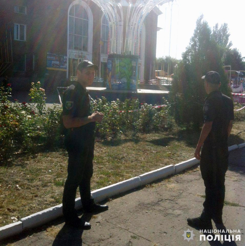 Поліцейські Покровської оперзони забезпечили правопорядок під час святкових днів, фото-12