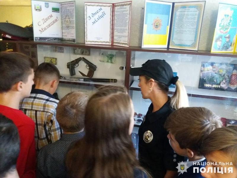 Добропільські школярі познайомились з роботою місцевих поліцейських, фото-2