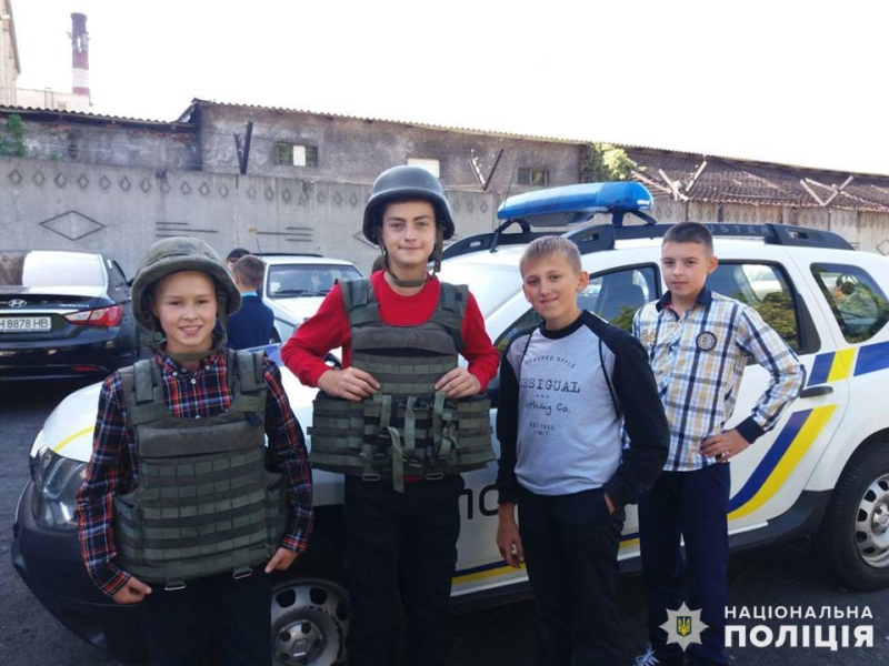 Добропільські школярі познайомились з роботою місцевих поліцейських, фото-5