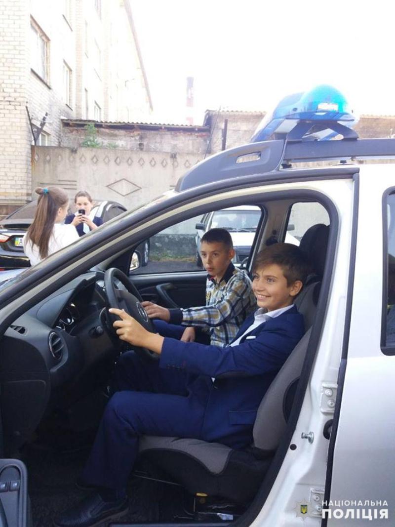 Добропільські школярі познайомились з роботою місцевих поліцейських, фото-6