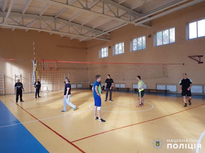 Команда покровських правоохоронців перемогла своїх колег у першому відбірковому етапі з волейболу, фото-1