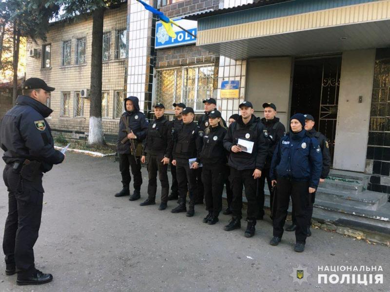 На выходных безопасность граждан под надежной защитой сотрудников полиции Покровска и Мирнограда, фото-8