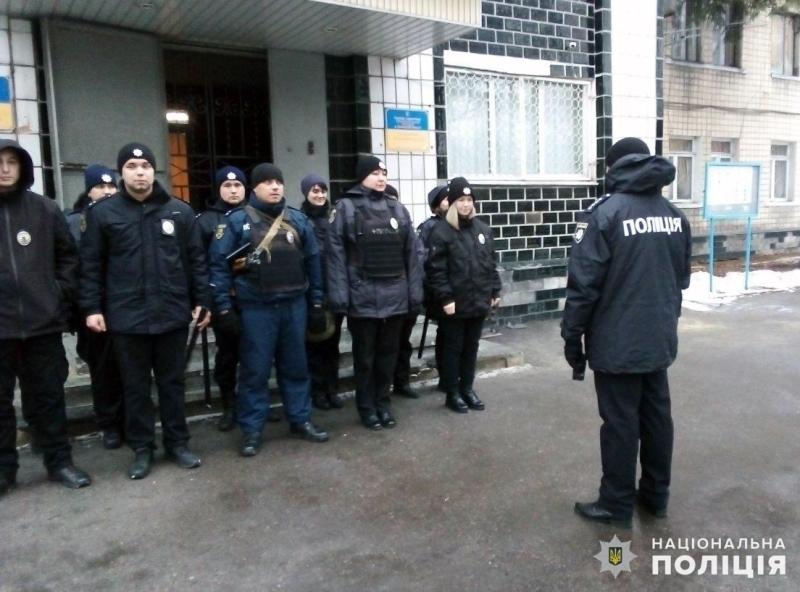 На вихідних правоохоронці Покровська та Мирнограда охоронятимуть спокій громадян, фото-8