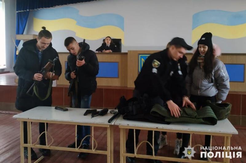 Старшокласники Покровська завітали в гості до місцевих правоохоронців, фото-9