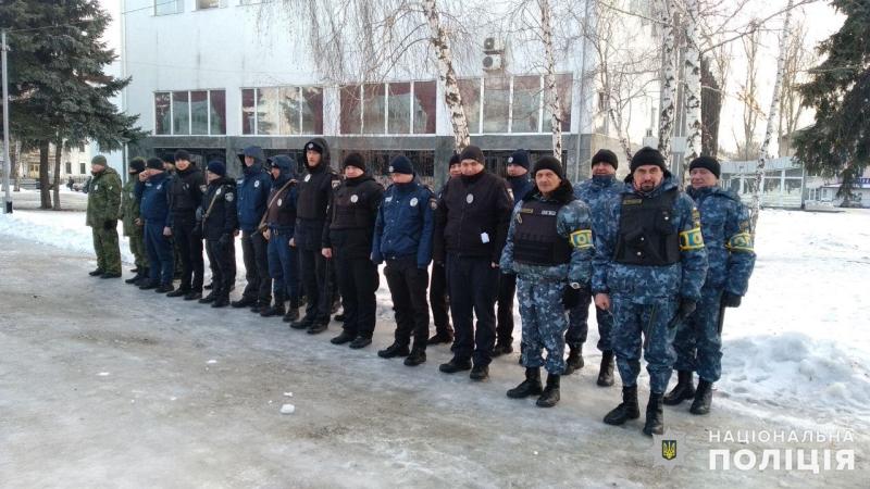 Посилені наряди поліції Покровська та Мирнограда приступили до забезпечення правопорядку у вихідні, фото-2
