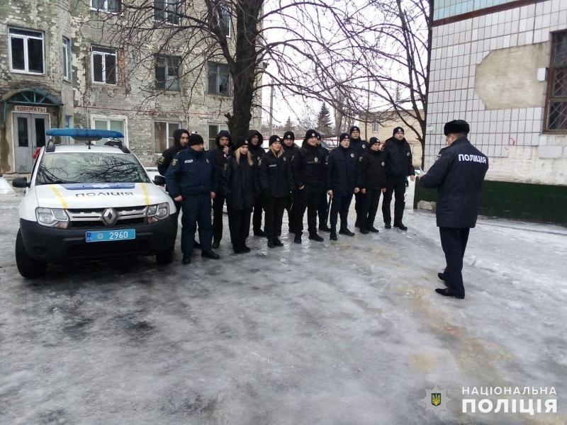Посилені наряди поліції Покровська та Мирнограда приступили до забезпечення правопорядку у вихідні, фото-3