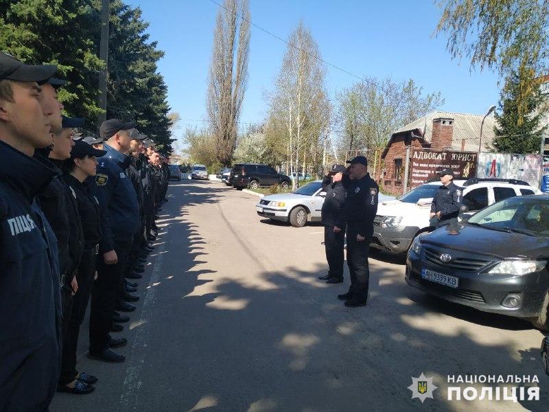 Правоохоронці забезпечують правопорядок на виборчих дільницях, фото-2