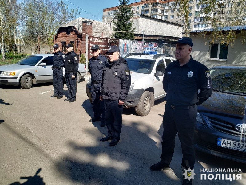 Правоохоронці забезпечують правопорядок на виборчих дільницях, фото-3