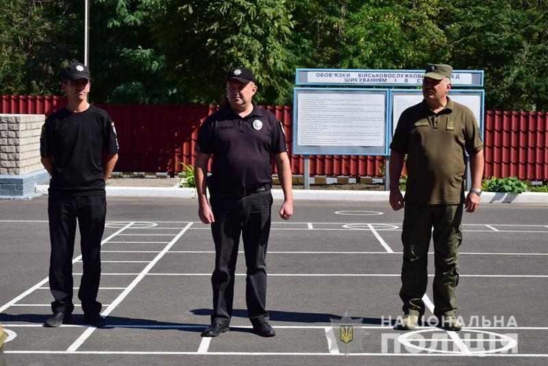 На Донеччині до охорони громадського порядку долучилися патрулі Національної гвардії, фото-4