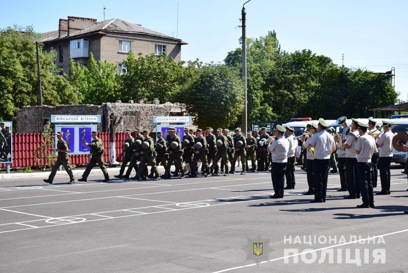 На Донеччині до охорони громадського порядку долучилися патрулі Національної гвардії, фото-5