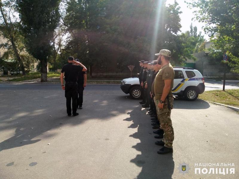 Сили поліції, які дбатимуть про безпеку мешканців на вихідних, приступили до несення служби, фото-2