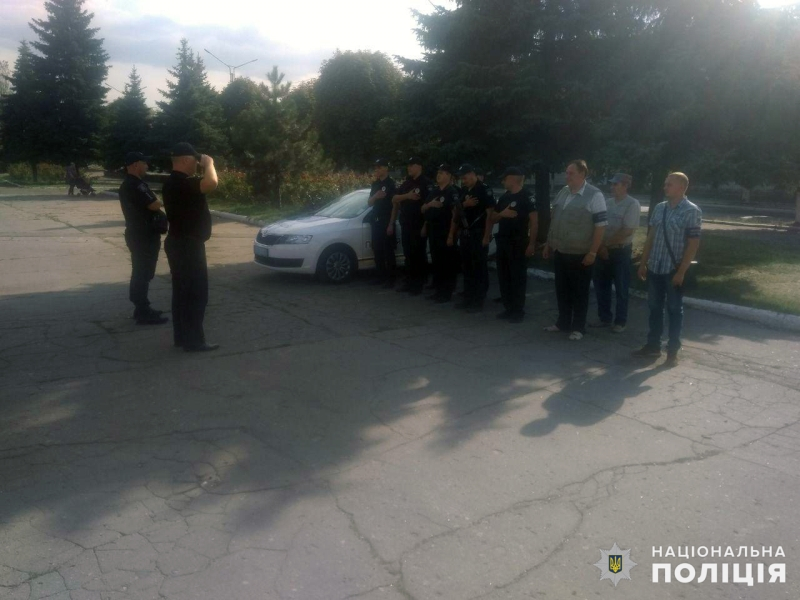 Сили поліції, які дбатимуть про безпеку мешканців на вихідних, приступили до несення служби, фото-4
