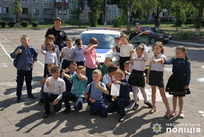 В Мирнограді поліцейські нагадали школярам правила поведінки на дорозі, фото-5