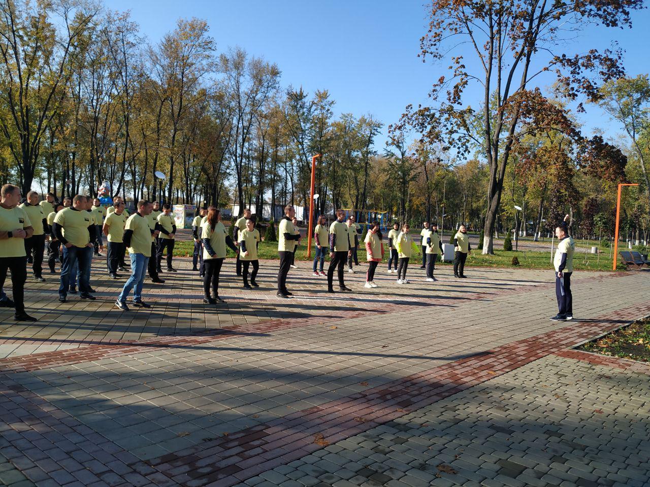 Правоохоронці Покровської оперативної зони взяли участь у марафоні до Дня захисника України, фото-1