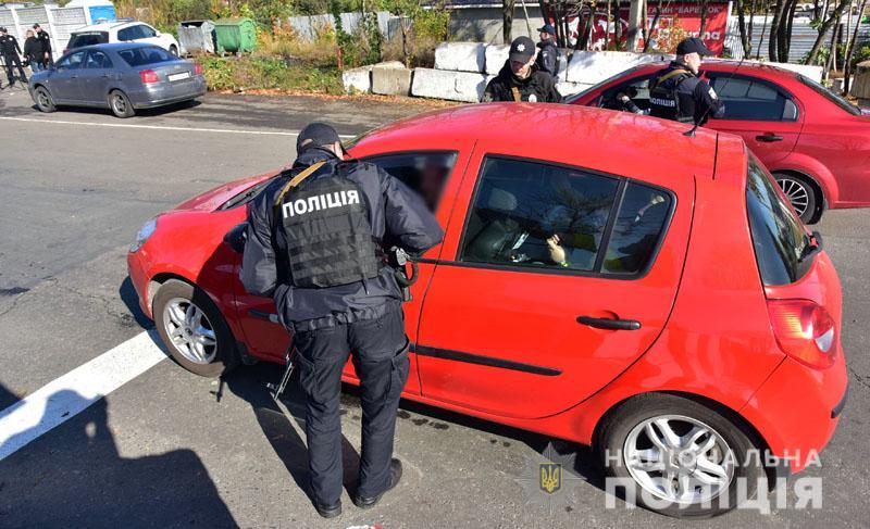 Поліція затримала на блокпостах понад 200 зловмисників, що перебували у розшуку, фото-4
