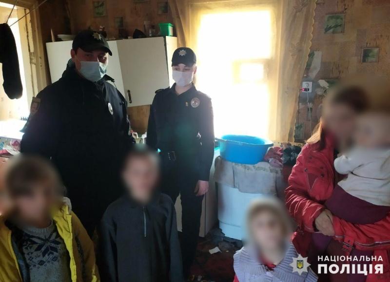 У Мирнограді правоохоронці вже вдруге склали адміністративний протокол відносно жінки, яка не дбає про своїх дітей, фото-1